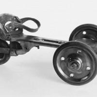 3 kolieskové korčule od Hiker Manufacture Company z roku 1900.